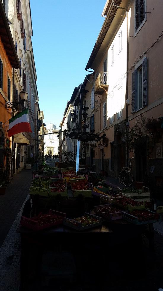 Roma yeme içme alışverişi Castel Gandolfo